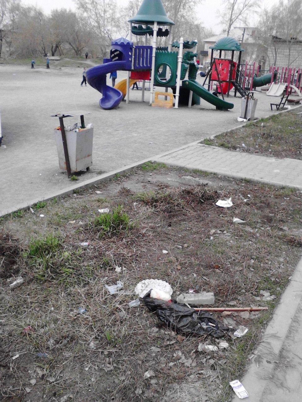 Кто должен убирать детские площадки
