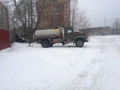 Ассенизаторская машина на Вахтангова