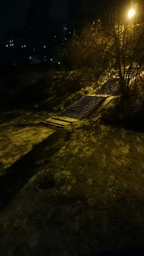 Освещение средней лестницы на Шлюзовую
