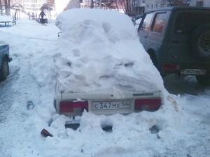 Брошеный автомобиль на Русской